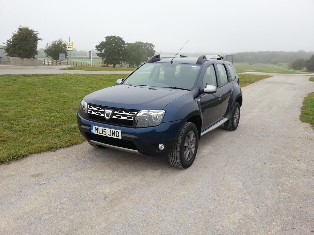 dacia duster crossover review car keys. Black Bedroom Furniture Sets. Home Design Ideas