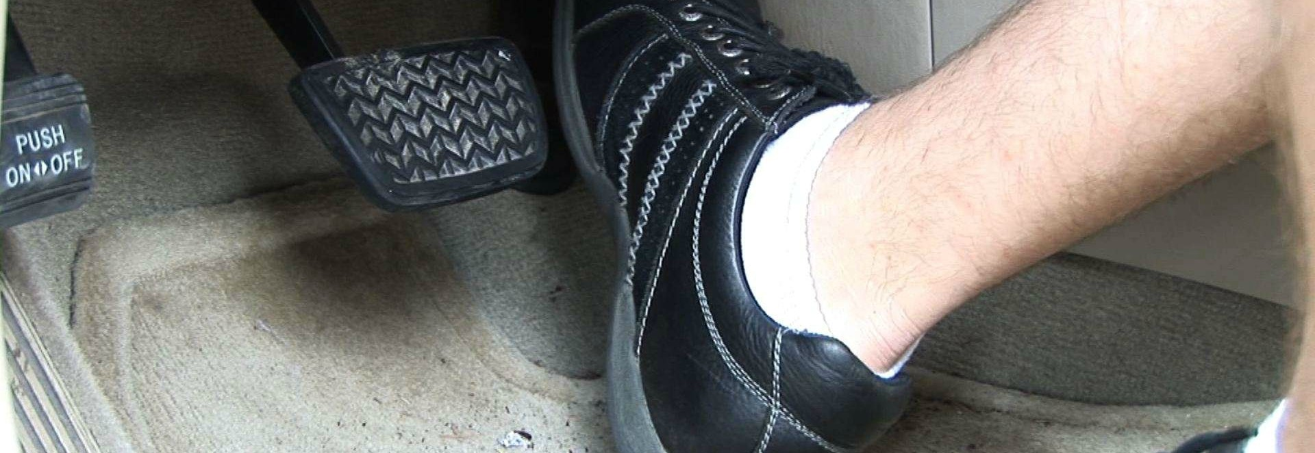 Is It Illegal To Drive Wothout Shoes On In Uk