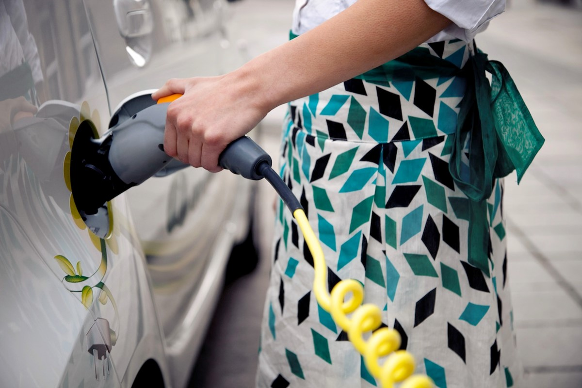 A Guide To Charging An Electric Car Keys 7 Pin Plug Wiring Diagram Uk
