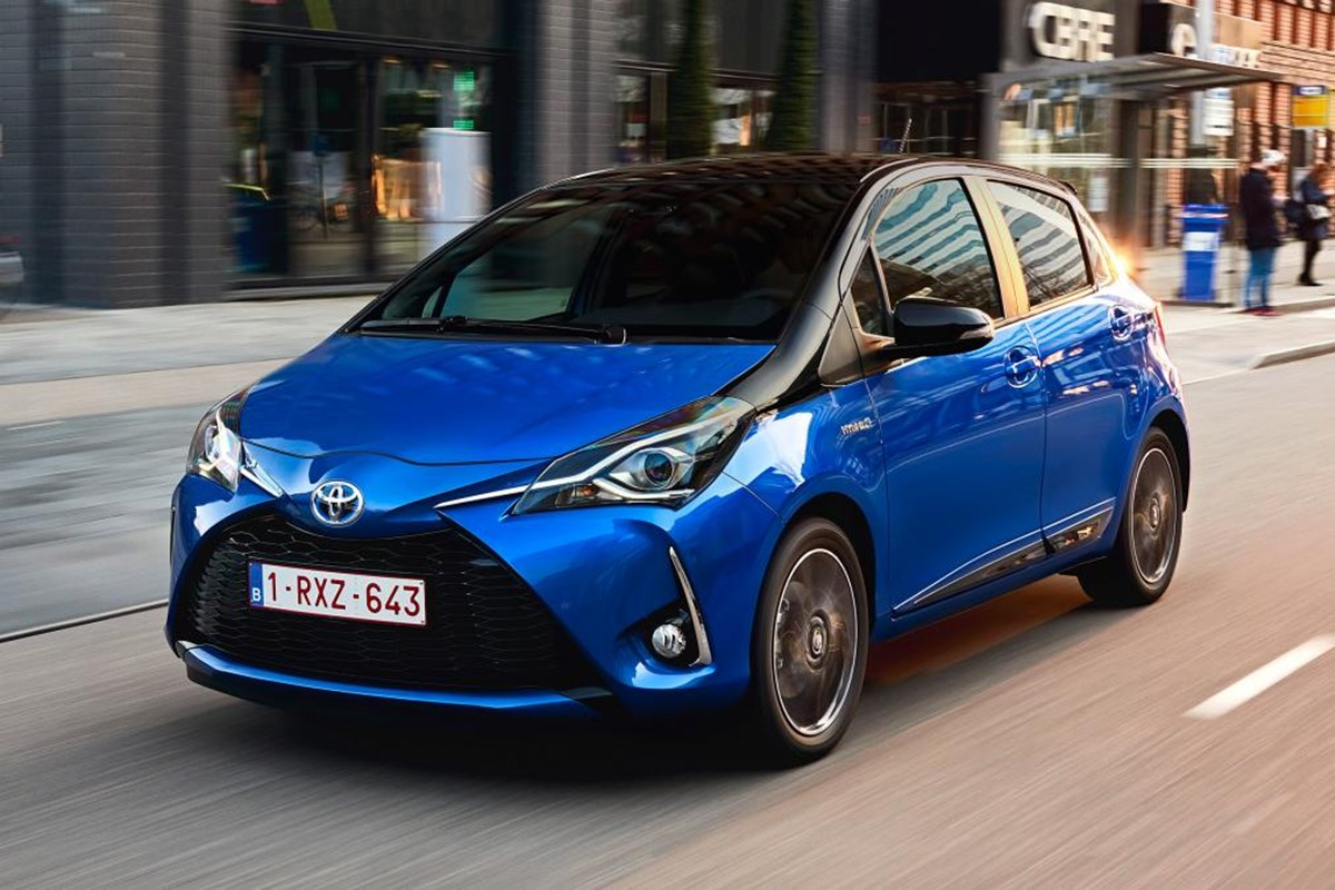 toyota yaris hybrid excel 2017 review car keys. Black Bedroom Furniture Sets. Home Design Ideas