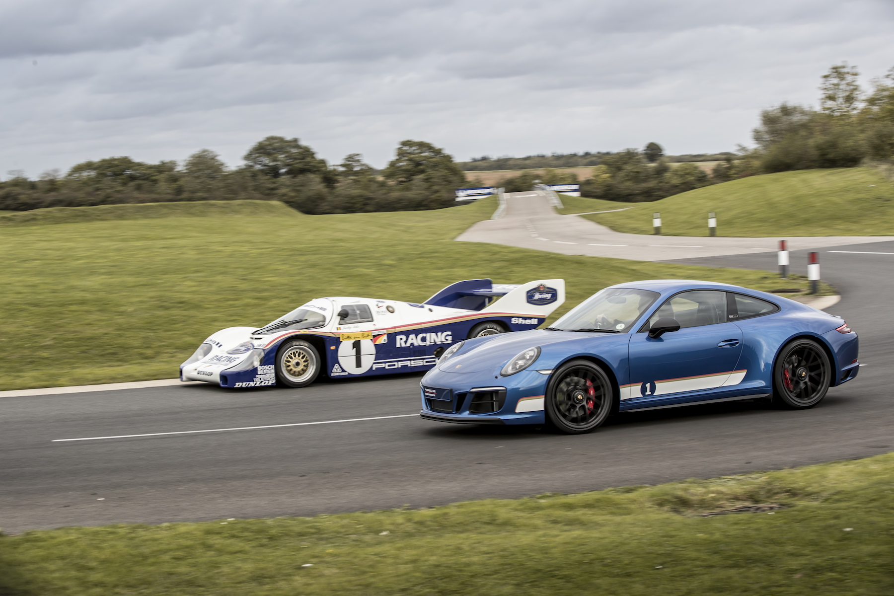 Revive special moments with the Porsche 911 GTS British Legends