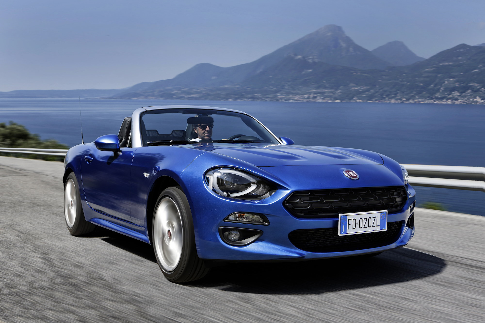 2016 Fiat 124 Spider Sports Roadster Convertible