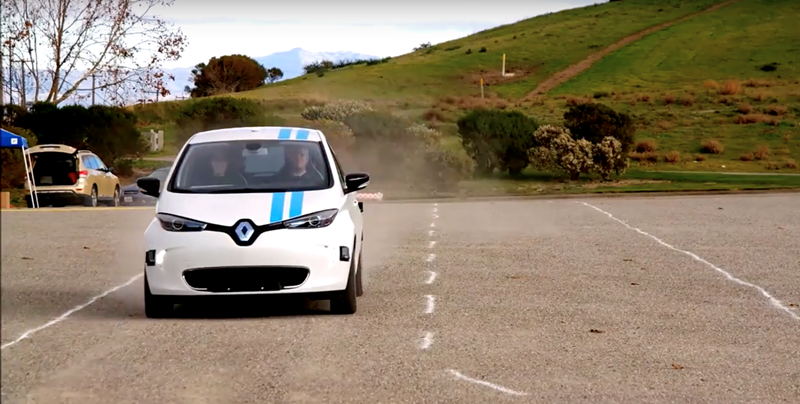 Renault's autonomous obstacle avoidance tech is as quick as a pro driver