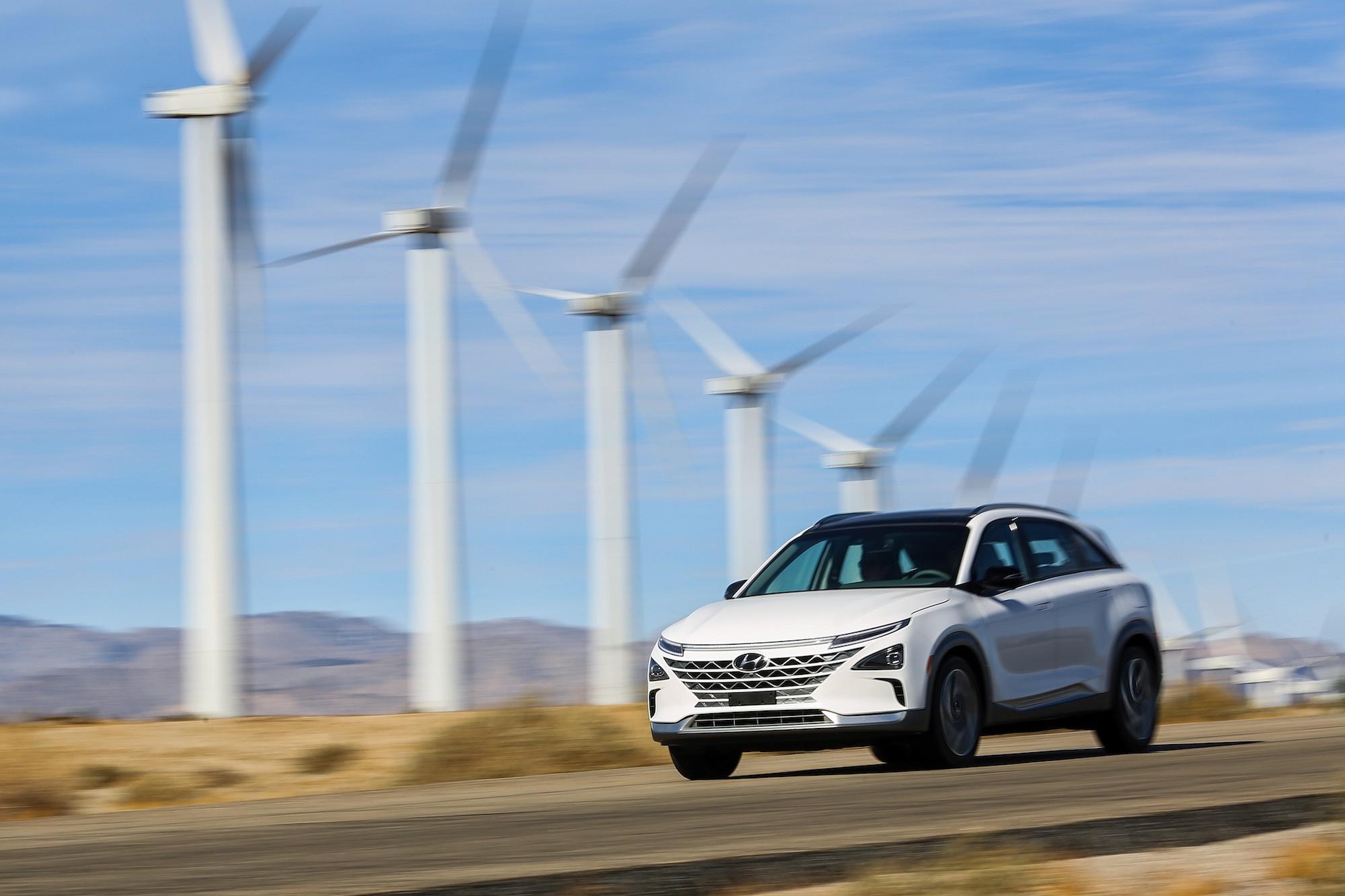 Hyundai unveils hydrogen-powered NEXO at CES 2018