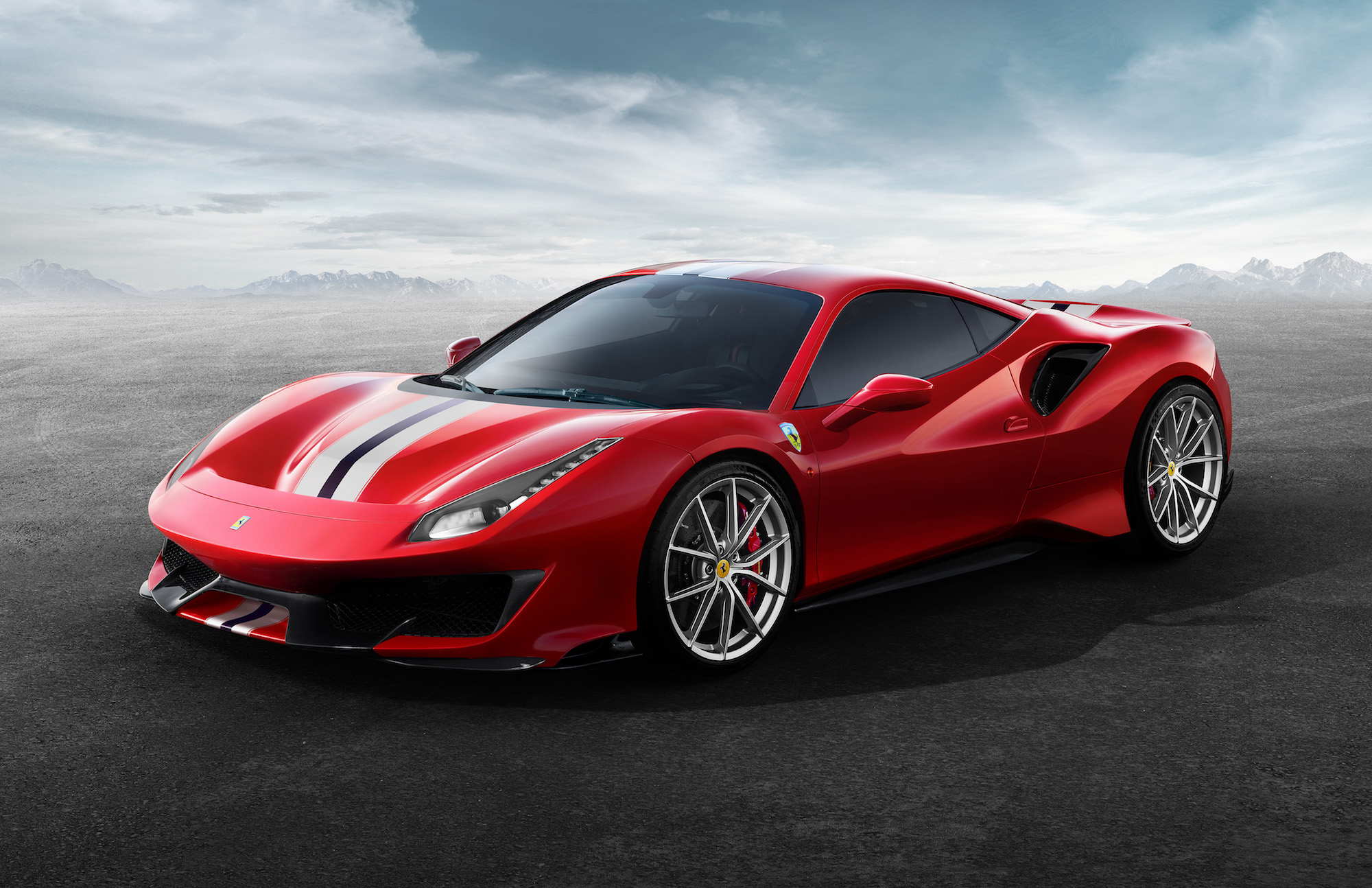 Ferrari reveals track-focused 488 Pista