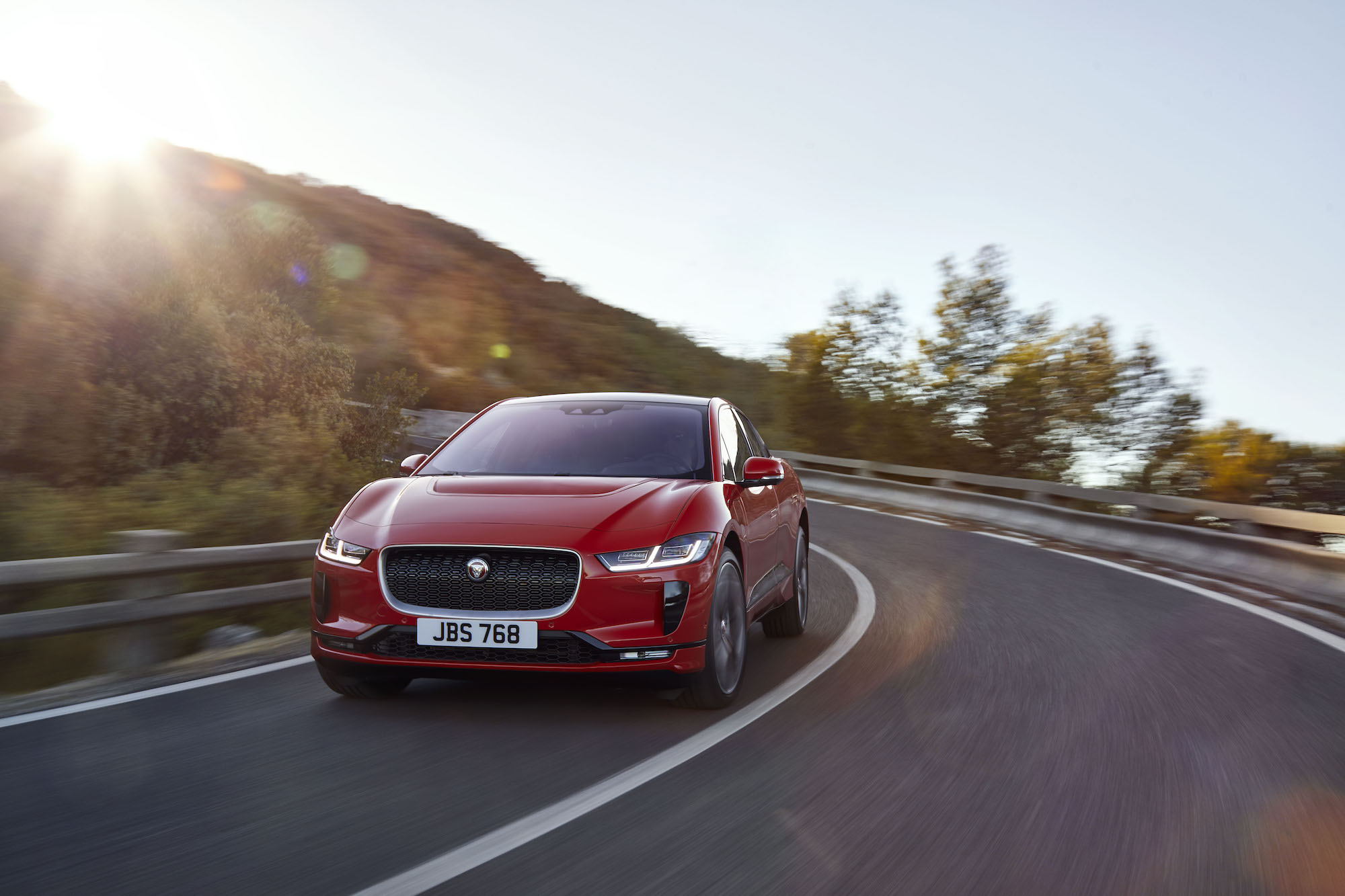 Jaguar I-Pace packs 240 miles of range, AWD performance