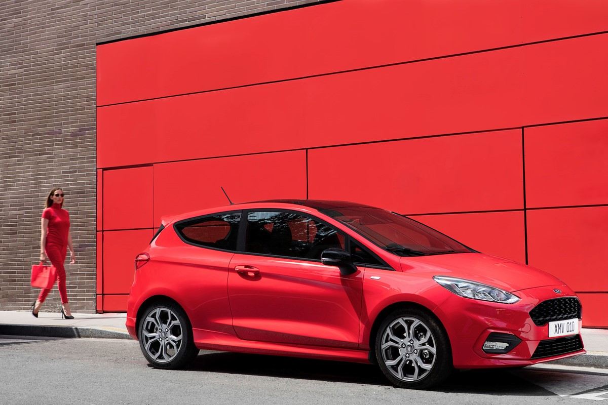 new ford fiesta vs new ford focus which is best car keys. Black Bedroom Furniture Sets. Home Design Ideas