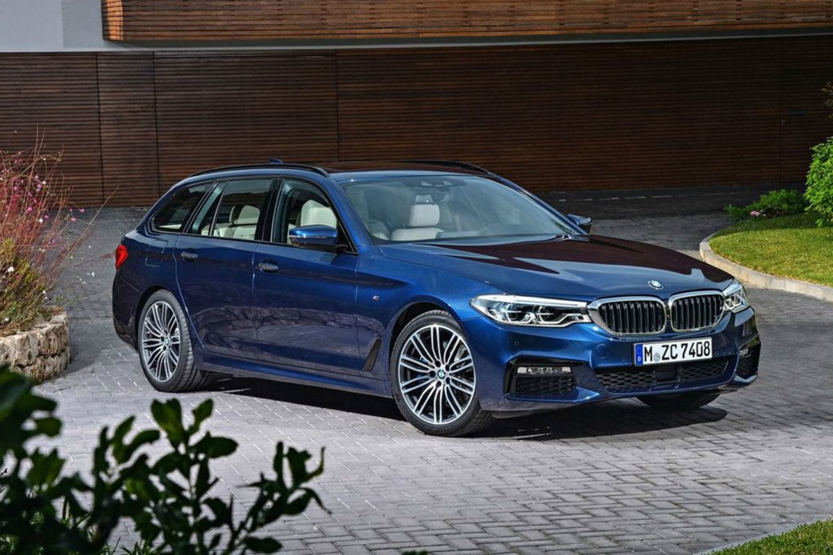2017 bmw 5 series touring is lighter and more practical car keys. Black Bedroom Furniture Sets. Home Design Ideas