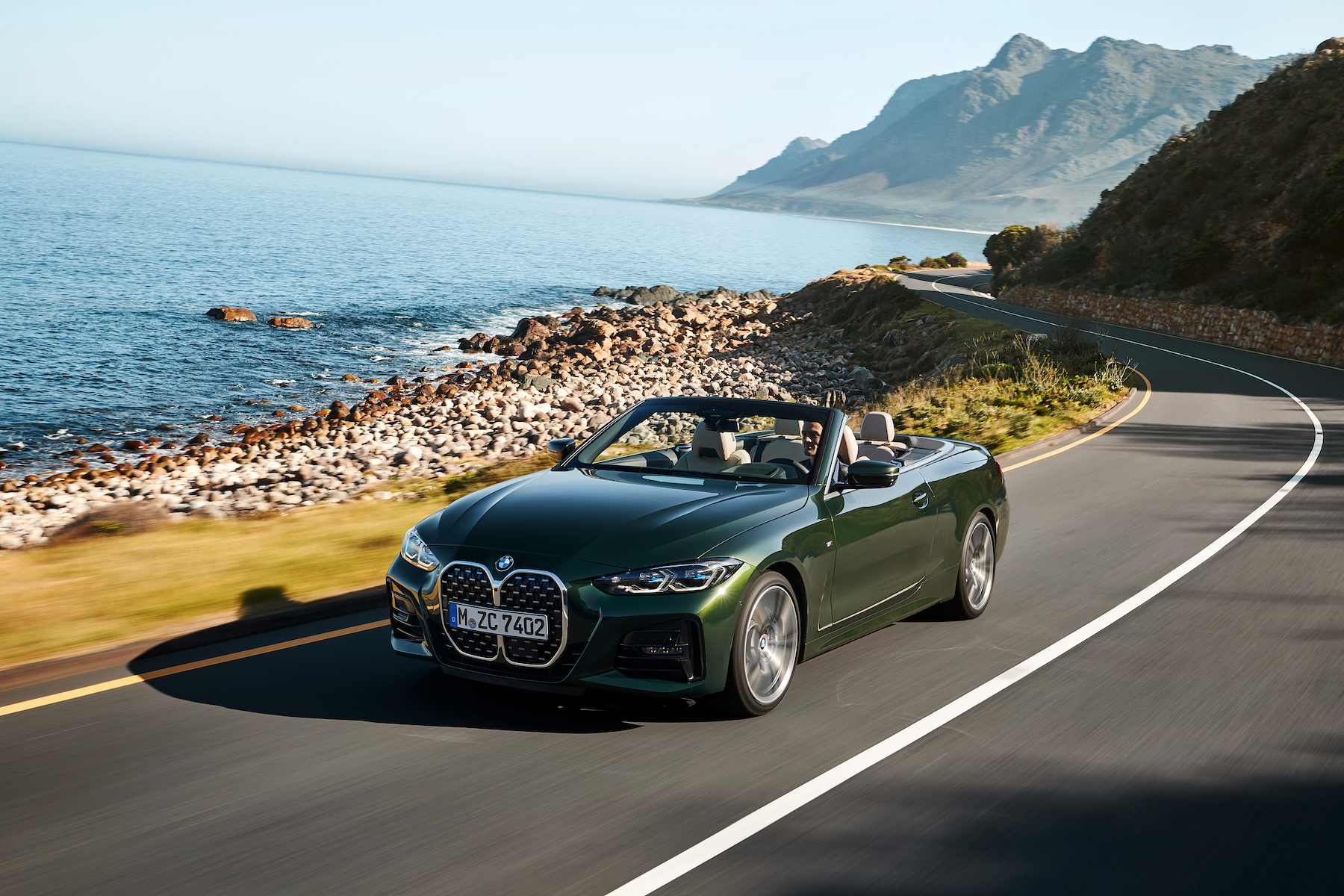 BMW 4 Series Convertible revealed with a lighter soft top