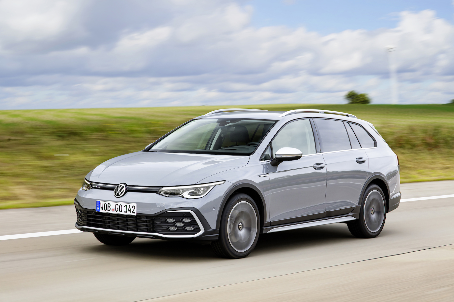 New Volkswagen Golf Estate Prices And Specs Announced Car Keys