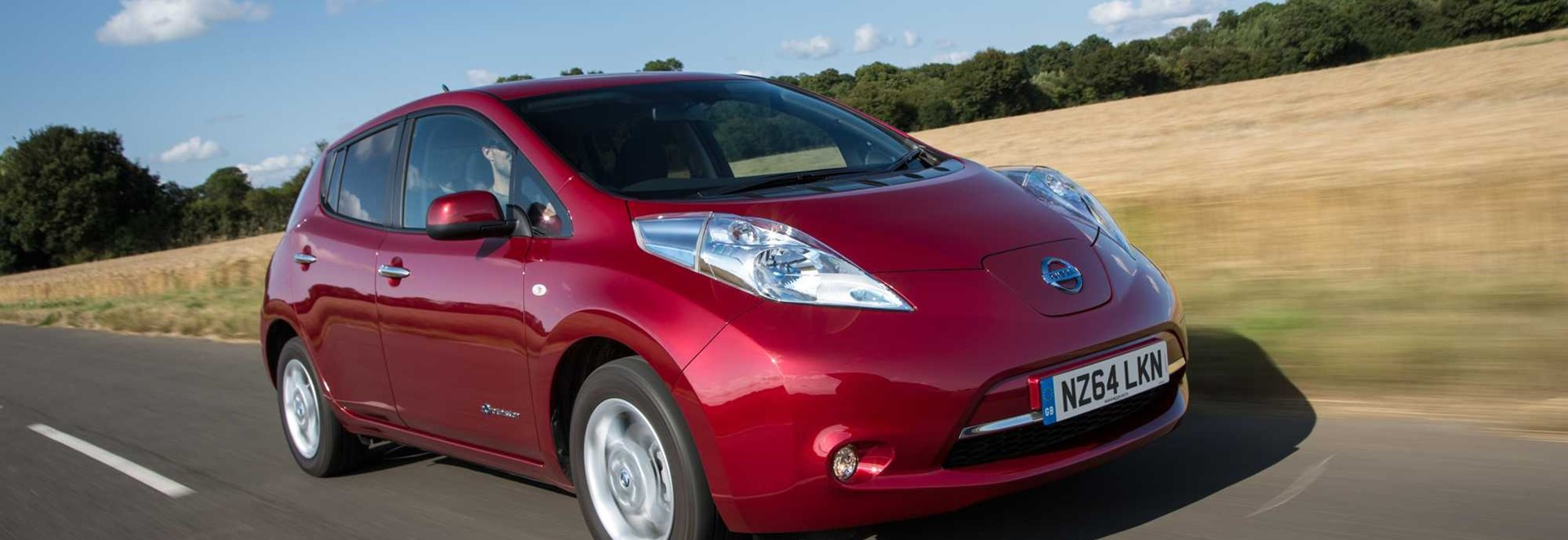 nissan leaf tekna hatchback launch report car keys. Black Bedroom Furniture Sets. Home Design Ideas