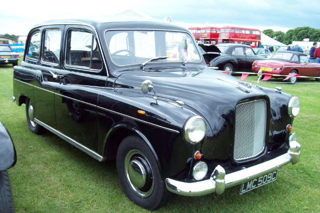 Why are London taxis black? A history of the London taxi cab - Car Keys